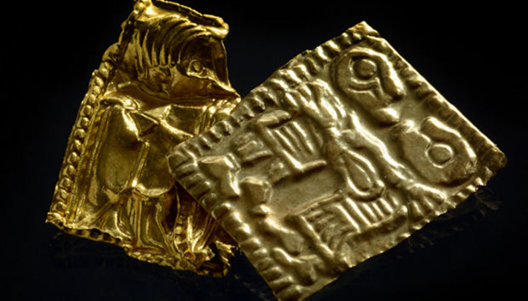 The gold foil figures from Åker in Hamar. The one with a lighter colour contains more silver than the other. (Photo: Vegard Vike og Jessica McGraw, KHM/UiO)