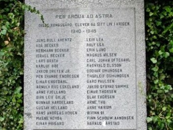 The monument is erected in the school yard of Stavanger Cathedral school (Photo: Per Byhring)
