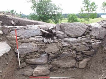 Eyebrows lifted in surprise when Skre and his colleagues dug down 1.5-metres into the Renaissance Garden from the 1600s and discovered a medieval stone foundation 130 cm high. This is a remnant of the foundation of a manor house from around 1300. it was just one of a series of royal and petty king's residences that have stood at Avaldsnes throughout history. (Photo: Royal Manner House Project Avaldsnes, University of Oslo.)