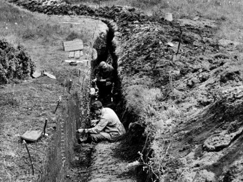 The archaeological dig at Sosteli in 1954. The man in the foreground is most likely the Norwegian archaeologist Anders Hagen. (Photo: National Museum of Denmark)