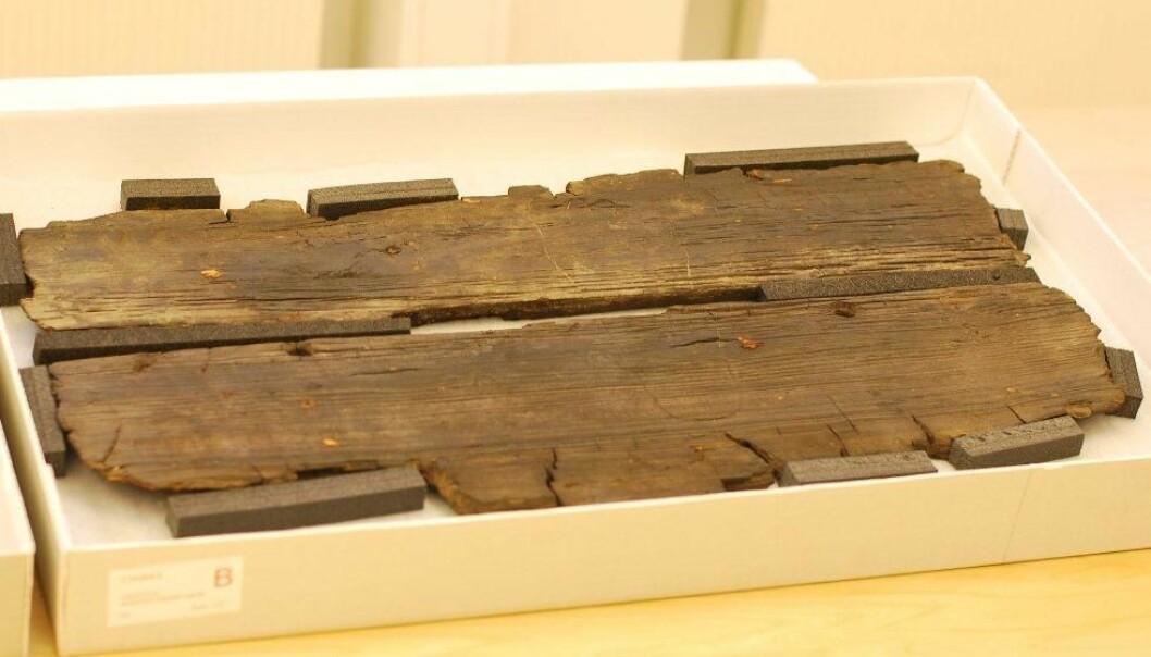 The floorboard from the Gokstad ship. (Photo: Hanne Jakobsen)