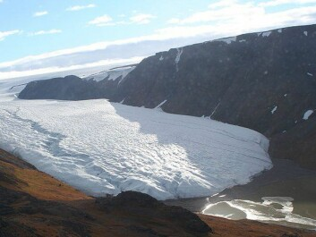 Roughly 80 percent of Greenland is covered in ice. At its deepest, the ice sheet is more than three kilometres thick.  (Photo: Brocken Inaglory/Wikimedia Creative Commons)