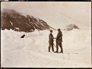 Nansen greets Frederick George Jackson 15 months after Nansen and Hjalmar Johansen left the Fram to ski to the North Pole. They skied as far as  86°13.6′N and then turned back. A chance meeting brought them in contact with Jackson, who took them back to Norway from where they met in Frans Josef Land in Russia. The pair were reunited with the Fram in August,1896. (Photo: Unknown photographer/from the Norwegian National Library, bldsa_3c114)