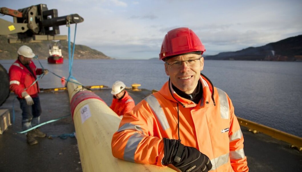 Project Manager Ole Øystein Knudsen at SINTEF says the new self-monitoring pipelines will provide us with a continuous data stream. (Photo: Thor Nielsen/SINTEF)