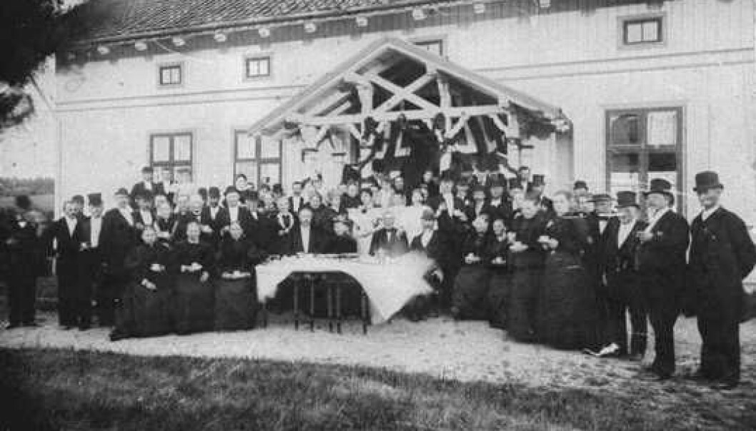 A wedding at the Rullestad farm in Norway on June 25,1896. (Photo: Digital Museum)