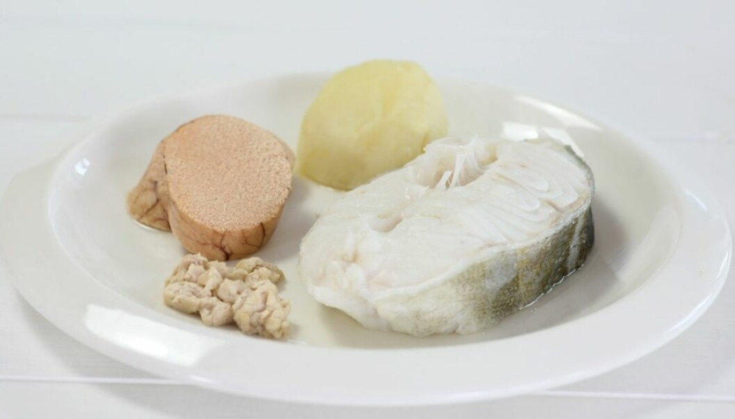 A single serving of the traditional North Norwegian delicacy, skreimølje, provides 12 daily doses of vitamin D. Clockwise from top left, all steamed or boiled –a slice of roe, a potato, a a slice of the spawning cod, and a piece of its liver. (Photo: Norwegian Seafood Council)