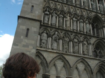 Jacqueline Floch in front of Nidaros Cathedral in Norway. (Photo: SINTEF)