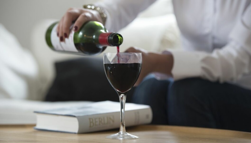A glass of red wine is said to be good for the hearts of middle-aged people. But there are no documented health benefits from alcohol in the elderly. (Photo: Colourbox)