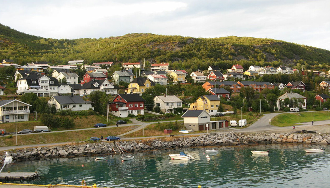 Plenty of detached homes but few flats.  Skjervøy in Troms County, North Norway, is one of the four rural municipalities studied in the NIBR report. (Photo: Wikimedia Commons)