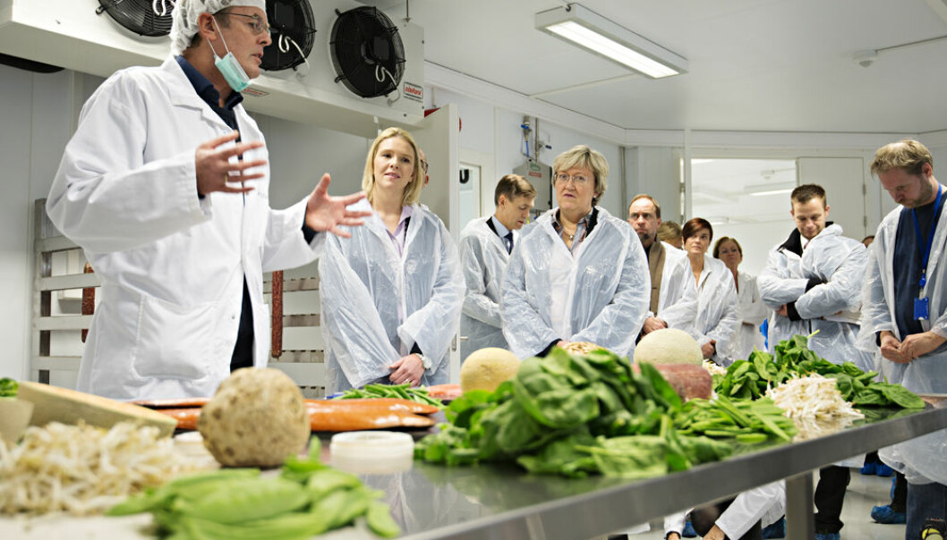 From the opening of the pathogen pilot plant. Second to the left is Minister of Agriculture and Food Sylvi Listhaug
