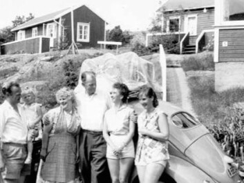 At the family-run Brekkesjø Boarding House at Brekkestø it was common for housewives and children to spend weeks of the summer, while their husbands visited from Oslo or other nearby towns on the weekends. (Private photo)