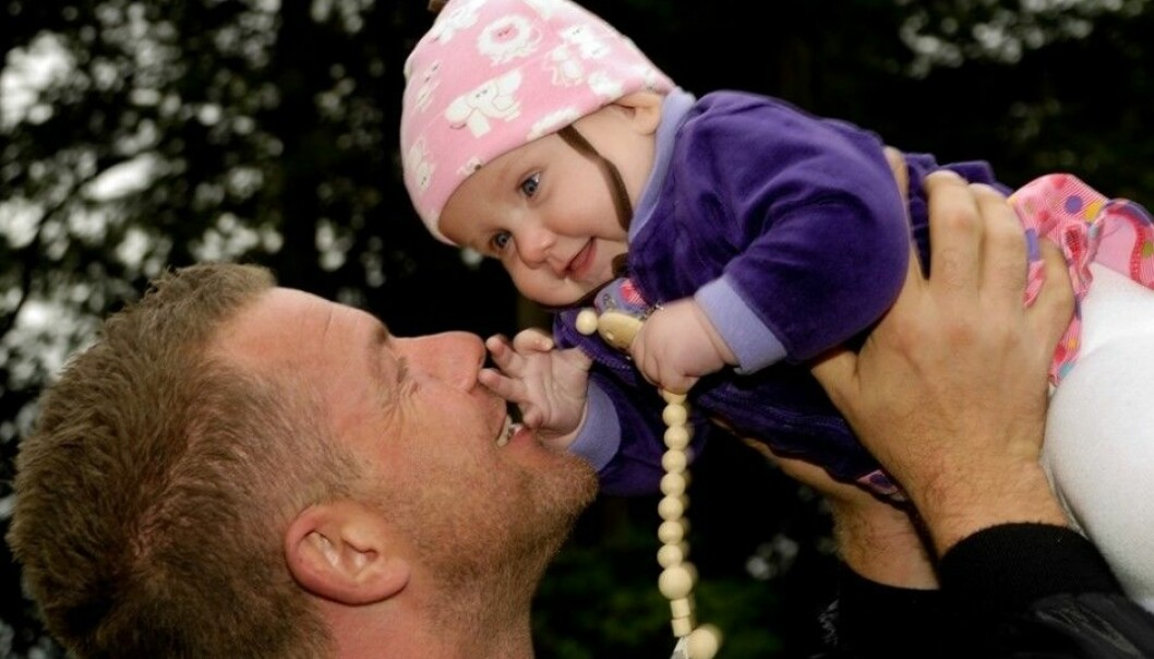 The way fathers spend time with their child during its first year is significant for the child's development. Paternal leave is therefore important, according to researcher. (Photo: Colourbox)