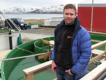 Øyvind Aas-Hansen outside NOFIMA's experimental station at Ringvassøya, 20 kilometres north of Tromsø.(Photo: Arnfinn Christensen, forskning.no)