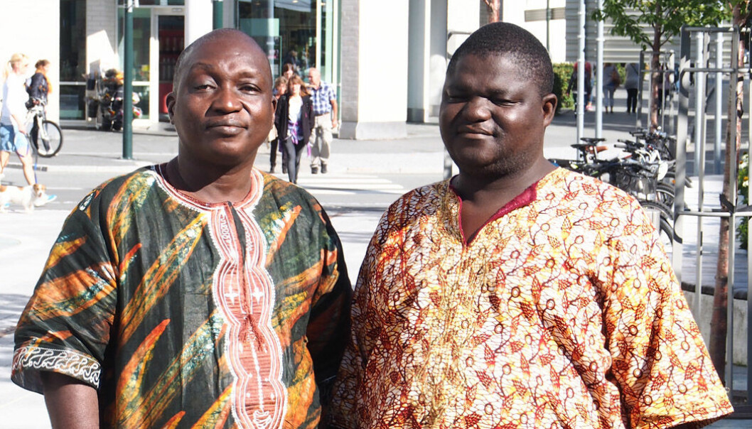 Samuel Batty, left, and Mohamed Kamara are community medical officers in Sierra Leone and students in the CapaCare surgical training programme. They came to Norway in September 2014 for additional training. (Photo: CapaCare.org)