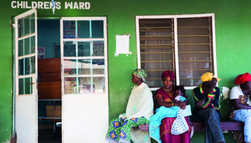 Low status: Women seek out the health services in the Gambia, but their needs are not being met. They have no experience of good-quality health services and thus do not know what to ask for. These women are waiting for treatment outside one of the rural hospitals in the Gambia. (Photo: Camilla Smaadal)