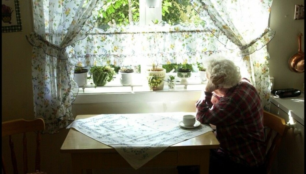 Linn Hege Førsund has interviewed relatives of patients with dementia. She believes that the system tends to forget them when the patient moves to an institution. The relatives are at risk of loneliness and depression. (Photo: Siw Ellen Jakobsen)