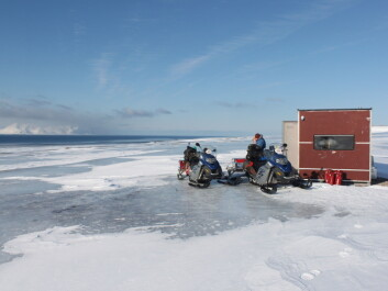 Icy conditions made snowmobile travel extremely difficult, even for experienced drivers. (Photo: Brage Bremset Hansen)