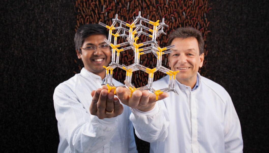 Researchers can now manipulate the crystal structure of nanowires. The ability makes it easier to produce lightweight solar cells that are more efficient than today's models. (Photo: Kai T. Dragland/NTNU)