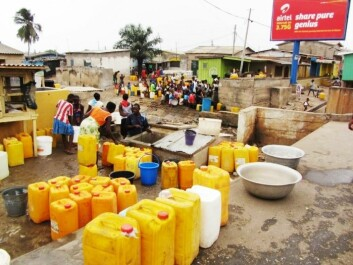 Standing in a queue to collect water in jerrycans is still part of everyday life for many people in Ghana. (Photo: CSIR)