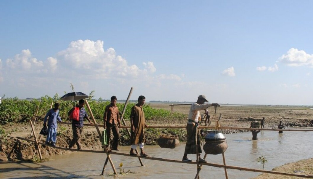 The existing infrastructure in the village is very basic. Flooding is a particular problem. (Photo: Pablo Amos Halder)
