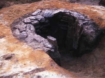 The slag pit of oven C2a at Heglesvollen, Levanger municipality, after emptying. (Photo: Arne Espelund)