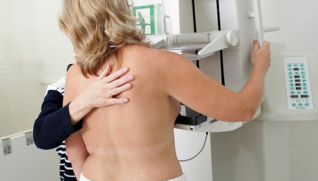 In a study Swedish scientists have taken blood samples from women in Malmø for 15 years. Women with less of a stress suppressing hormone had triple the risk of breast cancer than women with high levels. Here a woman takes a mammography. (Illustrative photo: Microstock)