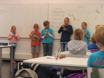 Students at Forskerfabrikken learn about high and low pressure. (Photo: Nora Heyerdahl)