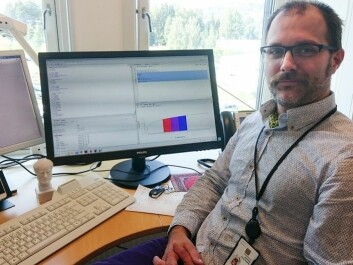 Mathias Barra transforms the complex reality of the hospital's everyday into mathematical simulations. The simulations show how professionals and equipment can be organized to make the most of every health kroner. (Photo: Arnfinn Christensen, forskning.no)