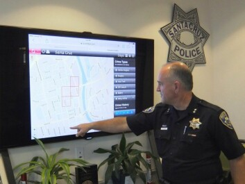 Deputy Chief of Police Steven Clark from the Santa Cruz Police Department in California explains how PredPol software visualizes the risk of a new crime. (Photo: Ingvild Østraat, Norwegian Board of Technology)