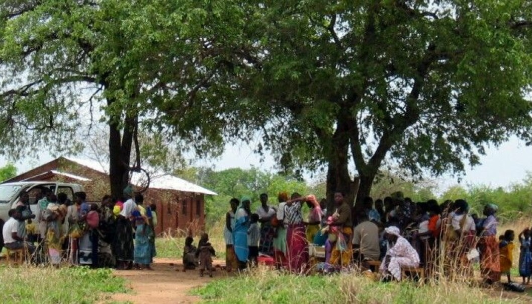 More decentralisation of health services in poor countries would strengthen the war on tuberculosis, say Norwegian researchers. This image is from Malawi. (Photo: Stine Hellum Braathen, SINTEF)