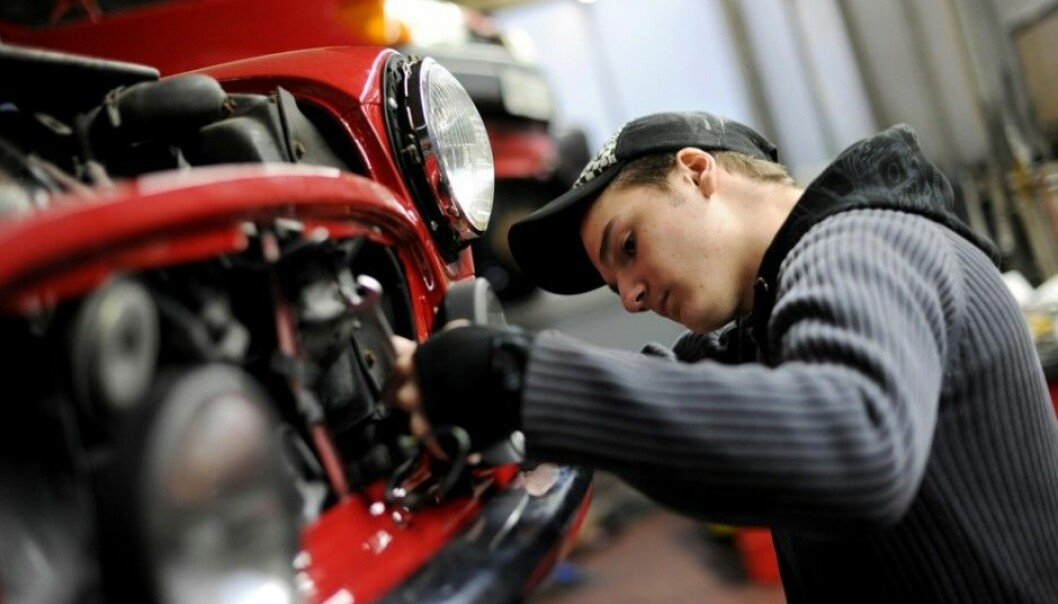 A new Norwegian report recommends increased cooperation between vocational education programs and the workplace. Businesses believe schools are lagging behind. (Photo: Frank May, Scanpix)
