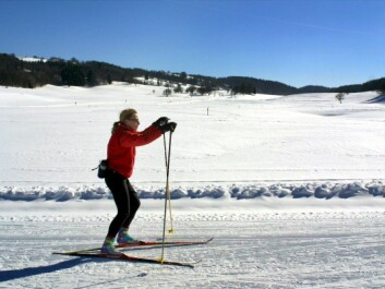 To the skier, it's more about exercise and experiencing nature, and less about physics. (Photo: Colourbox)