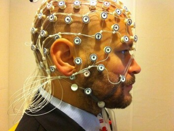 The EEG helmet used in the project is a down-scaled version, compared to more advanced arrays of sensors, as in this picture. (Photo: Petter Kallioinen/Stockholm University/Wikimedia commons.)