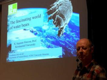 Professor K. Ingemar Jönsson gives a lecture about the fascinating world of the water bear. (Photo: Torbjørn Ekrem, NTNU University Museum)