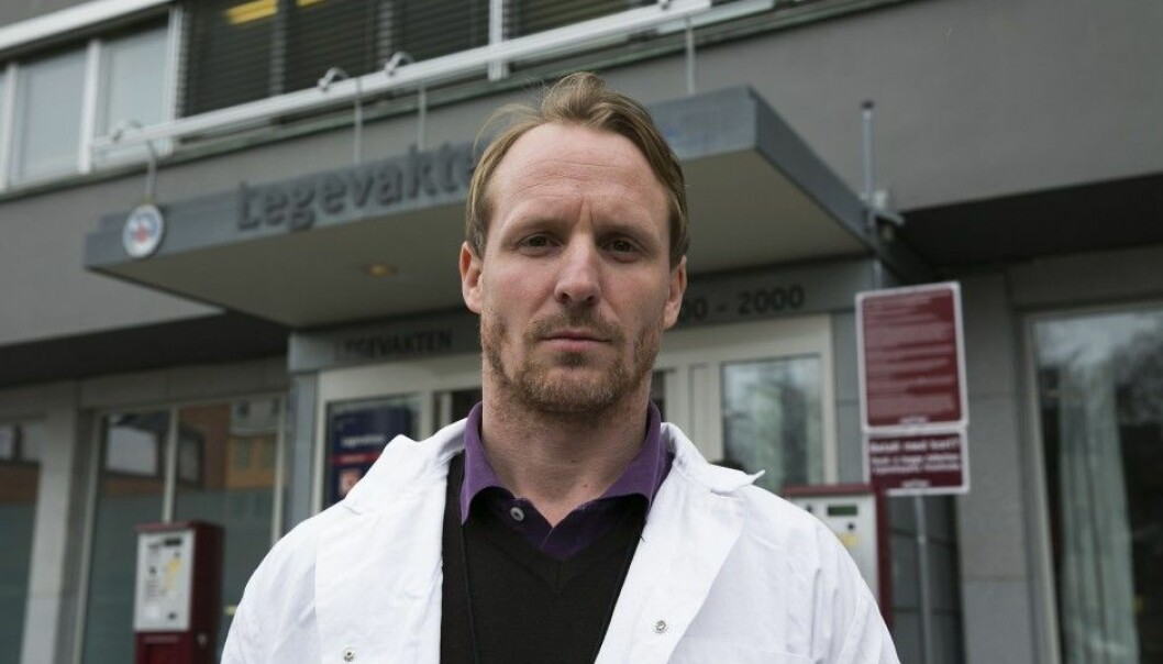 """""""I think we have a responsibility to do what we can to curb violence in these situations,"""" says Dr Fredrik Rønning Iversen at the Oslo Emergency Ward. When on duty he has been both struck and kicked by patients. (Photo: Jan Petter Lynau, VG/NTB scanpix)"""