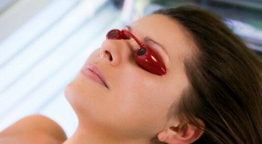 Young women risk melanoma from indoor tanning