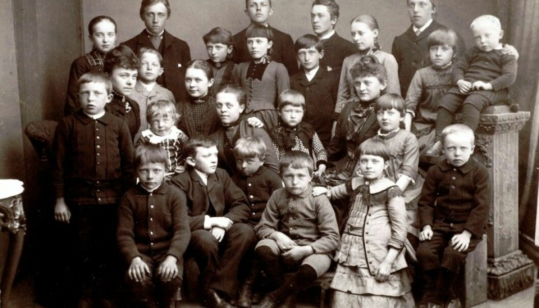 You can now send in your DNA and find you mother's and father's ancestral background back into time. This photo was taken on Midsummer Eve in 1887 in Kristiansund, Norway. (Photo: Nordmøre Museum)