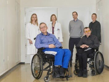 An interdisciplinary team of researchers finally solved the riddle of the twins of Tynset. From left: neurologist Siri Lynne Rydning, neurology professor Chantal Tallaksen, structural biologist Paul Hoff Backe and geneticist Kaja Selmer. Bjørn and Tor Olsen are in the foreground. Professor Magnar Bjørås from NTNU also helped solve the riddle. (Photo: Erik Norrud)