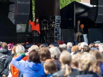 Nobel Prize Laureate May-Britt Moser entertains – and hopefully inspires – the Trondheim public. (Photo: Julie Gloppe Solem, NTNU)