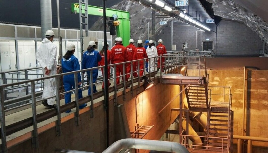 Researchers from the Norwegian Institute for Water Research at the VEAS sewage treatment plant to take wastewater samples before the water is run through the treatment centre. (Photo: NIVA)