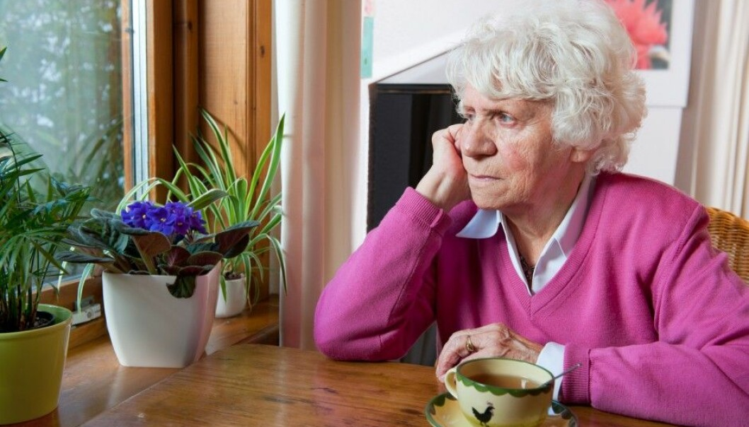 There is a big difference between feeling lonely and actually being socially isolated, according to researchers. Being socially isolated is most dangerous. (Photo: Shutterstock / NTB scanpix)