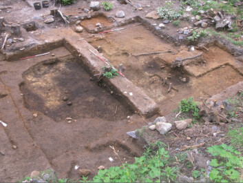 Excavation of the same hut-like structure as in the photograph at the top of the article. (Photo: Museum of Cultural History)