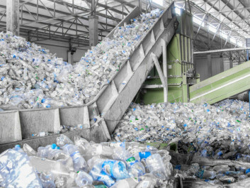 Plastic disposable bottles are one of the easiest types of plastic to recycle. (Photo: Albert Karimov / Shutterstock / NTB scanpix)
