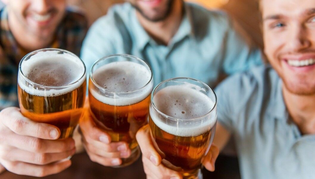 Researchers wanted to better understand the sociodemographics of workers who are risky drinkers. Illustration photo: g-stockstudio / Shutterstock / NTB scanpix)