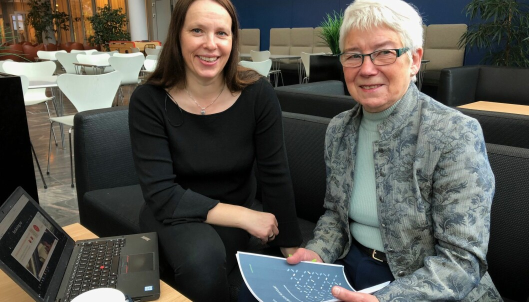Researcher, Inger Marie Holm, and pensioner, Bitten Barman-Jenssen, agree that seniors could substantially benefit from learning technology, but to do so, they need help. (Image: Mali A. Arnstad)