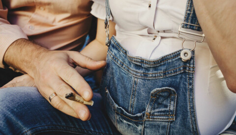 Boys born to smoking fathers have reduced sperm count