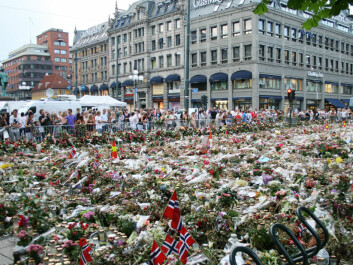 The public spontaneously transformed part of the square in front of the Oslo Cathedral into a sea of flowers, candles etc. in the days following the terrorist attacks on 22 July. (Photo: Colourbox)