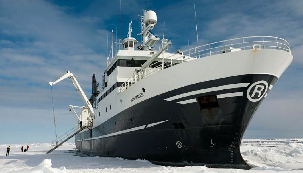 "Research vessel ""Helmer Hanssen"", which belongs to the University of Tromsø, on the Arctic Tipping Points expedition in Framstredet, may 2011 (Photo: rudicaeyers.com – BFE/Universitetet i Tromsø)"