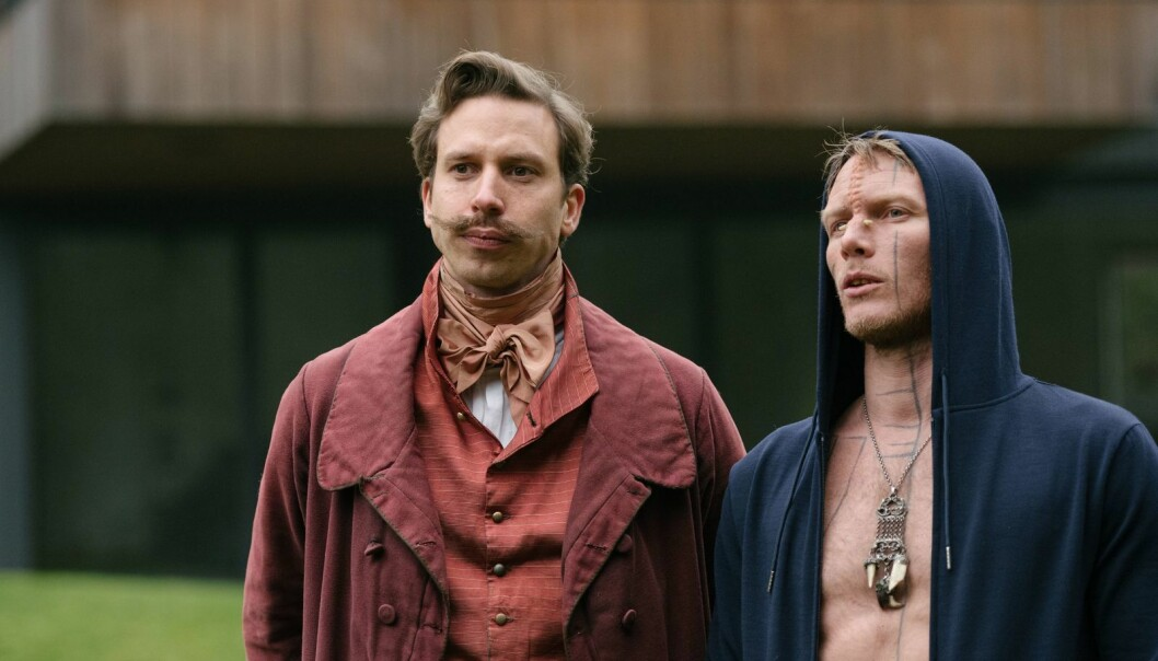 H.C., played by Herbert Nordrum (left) is from the upper class of the 19th century. (Photo: Lukas Salna / HBO Nordic)