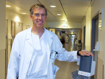 SCEPTICAL: Chief Physician Olav Engebråten, who is an expert on breast cancer, is sceptical about whether simulations can improve cancer treatment in the short term, but still believes that the idea is exciting over the long term. (Photo: Yngve Vogt)
